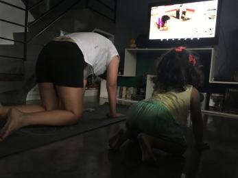mom_kid_yoga_home