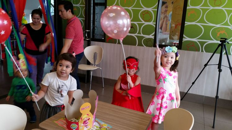 kiddie_birthday_party_Jollibee