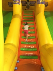 Kidzoona_inflatable_slide_Nuvali