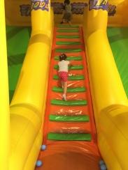 Kidzoona_inflatable_slide_Nuvali