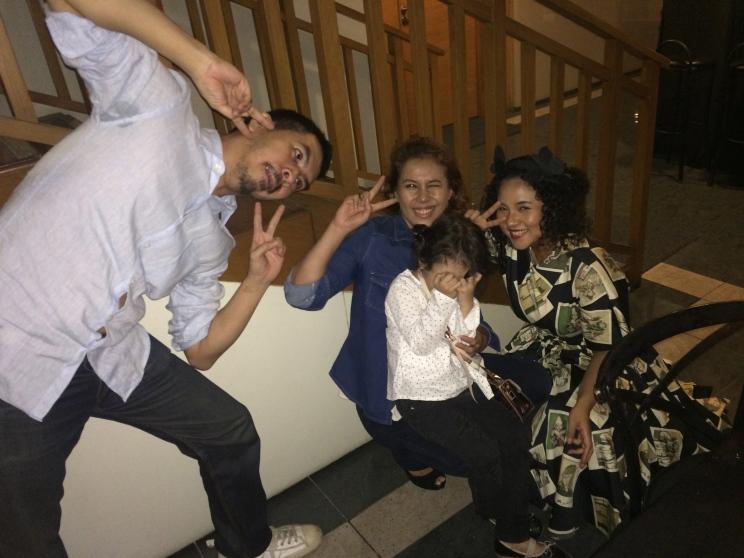 Asian_Pose