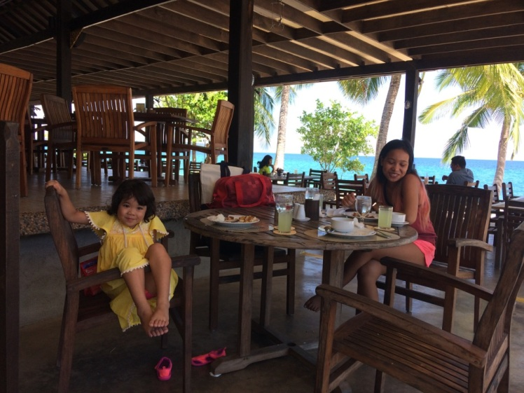Virgin_Beach_buffet_lunch