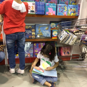 National_Bookstore_booth
