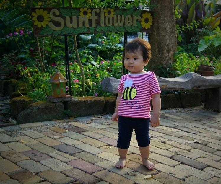 barefoot_baby