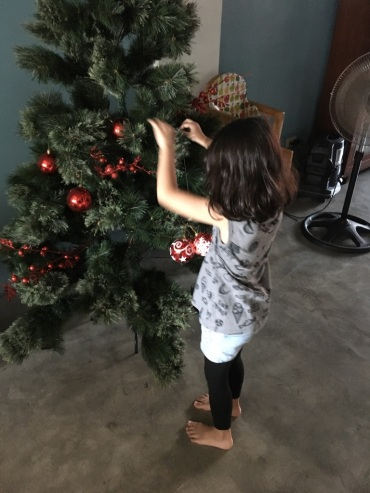 decorating_tree
