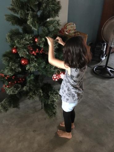 decorating_tree