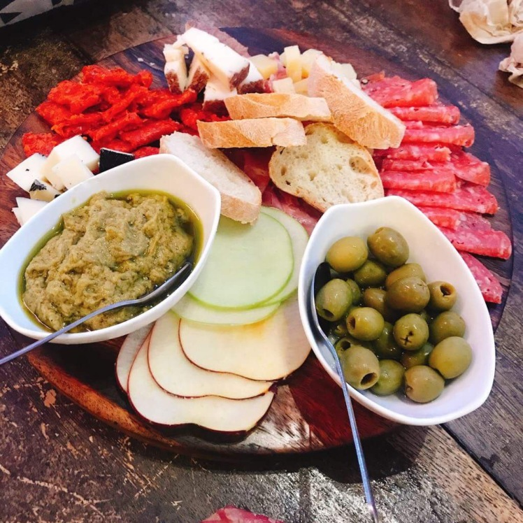 Spanish_cheese_platter_Brera